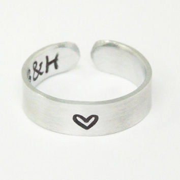 Promise ring heart ring with initials on the inside - Personalized couple ring commitment ring relationship ring - Stamped jewelry