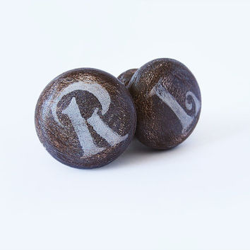 Rustic Brown Knobs. Kitchen, Bathroom Brown Drawer Pulls. Wooden Door Knobs. Set of 2 Wardrobe knobs. Right and Left Pull Knobs. Winter Fall