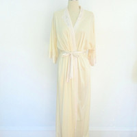 Vintage Robe / Cream Floral Appliqué / Miss Elaine 1980s / Size Medium M
