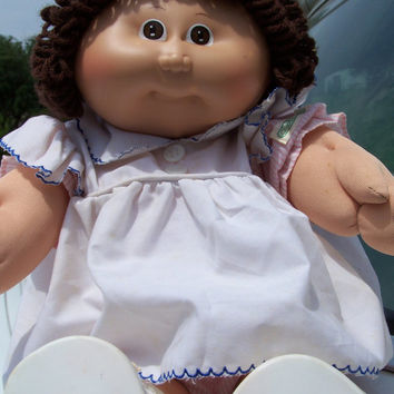 Cabbage Patch Kids Girl Doll 1982 Brown Hair & Brown Eyes // Doll with Ponytail // Pinefore Dress