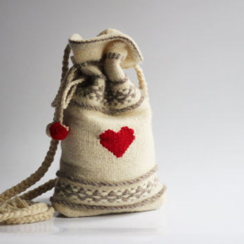White Hand-woven Purse With A Red Hearts - Wool Purse - Handmade purse