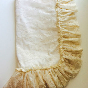 Baby Blanket - Lace Ruffle