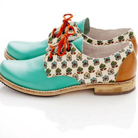 Turquoise Nutella Oxfords. US 9 size