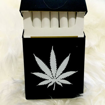 Rare BLACK Marijuana Cannabis WEED Silicon Cigarette Case / Cigarette dispenser / Smoking Accessories