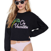 On Vacation Graphic Print Crop Sweatshirt in Black