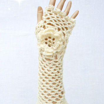 Irish Lace Crochet Fingerless Gloves Hand Warmers Merino Wool Soft Romantic Vintage Style Cream White