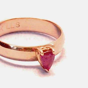 Reduced - Vintage 14K Pear Cut Garnet Ring