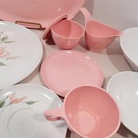 Debonaire Melmac Pink Rose, melamine dinnerware set complete service for 8 Vintage plastic every day dinnerware sets for your vintage camper