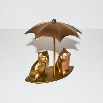 Vintage Brass Cats Pair of Cats under Umbrella Brass Animal Figurines Cat Figurines Kittens Figurines