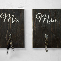 Mr. and Mrs. Key Holder - His and Hers Key Holder - Mr. and Mrs. Sign - Wedding - Rustic Key Holder - Bridal Shower Gift - Wall Key Holder