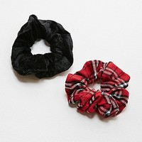 Vintage Renewal Tartan and Black Scrunchie Pack - Urban Outfitters