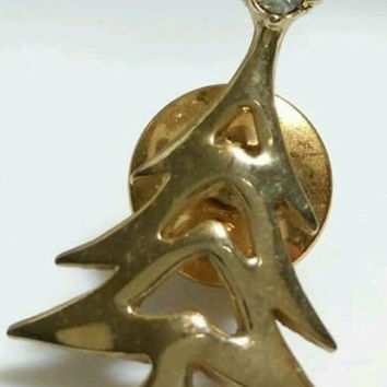 CHRISTMAS TREE RHINESTONE TIE TACK PIN VINTAGE GOLD TONED AVON SIGNED G213