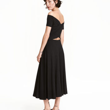 H&M Off-the-shoulder Dress $39.99