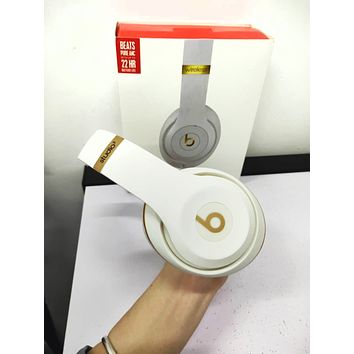 Popular Women Men Beats Solo 3 Wireless Magic Sound Bluetooth Wireless Hands Headset MP3 Music Headphone With Microphone Line-in Socket TF Card Slot White I/A