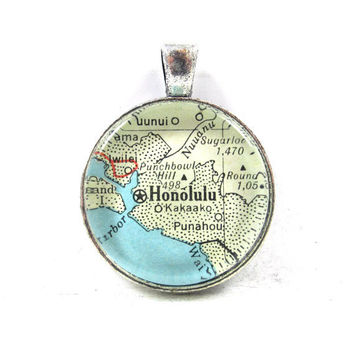 Vintage Map Pendant of Honolulu, Hawaii, in Glass Tile Circle