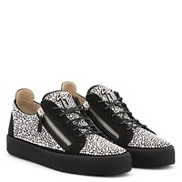 Giuseppe Zanotti Gz Moonshot Low Black Suede Low-top Sneaker With Crystals