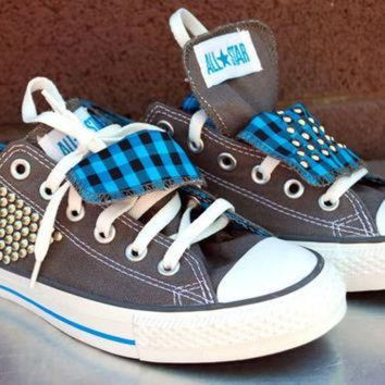 DCCKHD9 grey and teal studded plaid converse