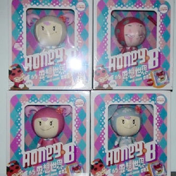 Gary Thinking 7-11 Limited Edition Honey B Toys Book 4 Trading Collection Figure Set