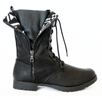 Black Wyatte-19 Lace Up Boots