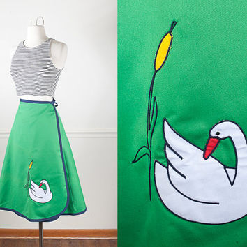 1970s SWAN Appliqué Wrap Skirt / Vintage 70s High Waisted Skirt / Knee Length Skirt / Kelly Green Skirt / Retro Novelty Print Midi Skirt