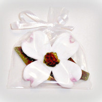 25 Dogwood Flower and Leaf Soap -  Fragrant Floral Soaps - Great Party Favors