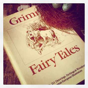 Grimm Fairy Tales,1980s,Vintage Child's Book,Fairy Tale Book,Home Staging,Old Book,Photo Prop,Ephemera