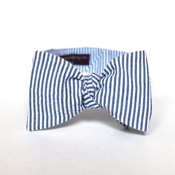 Men's Bow Tie - Navy Blue Seersucker - Navy Blue and White Stripes - Adjustable