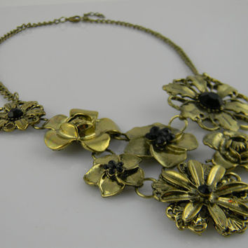 New Anthropologie - Inspired BIB Gold Summer FLOWERS ImPaTiEnTs RoSeS Statement NECKLACE