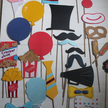 PHOTO BOOTH PROPS: fun at the circus 2       26 nice size pcs