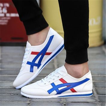 2018 new male Running Shoes Men Sneakers zapatillas hombre deportiva Breathable Light outdoor athletic shoes Sport cloth shoes