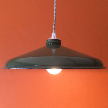 Industrial Pendant Lamp With Green Porcaline Enamel Shades