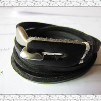 Women or Men Black Leather Bracelet with Alloy by braceletcool