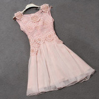 European Style Solid Floral Shape Bead Lace Dress