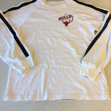 VINTAGE CHICAGO BULLS WHITE AND BLACK LONG SLEEVE YOUTH TEE SHIRT SHIPPING