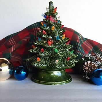 Vintage Nowell's Molds Light Up Christmas Tree