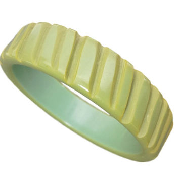 Green Carved Bakelite Bracelet Bangle, Vintage Jewelry, Early Plastic Jewellery, Retro Fashion Accessories