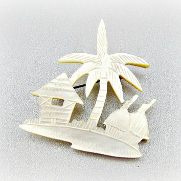 Vintage Carved Mother of Pearl Brooch Pin (Tropical Beach Brooch, Carved White Shell Brooch, 1940s Costume Jewelry, Antique Jewelry)