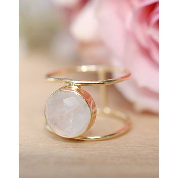 Helen Ring - Moonstone (BJR112)