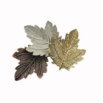metal Mujer Vintage Pin Maple Leaf Brooch Gold alloy leaves Brooches Pins Exquisite Collar For Women Dance Party Accessories