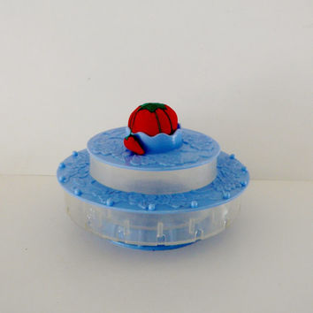 Vintage Sewing Thread Caddy Lazy Susan Blue Plastic with Pin Cushion Insert