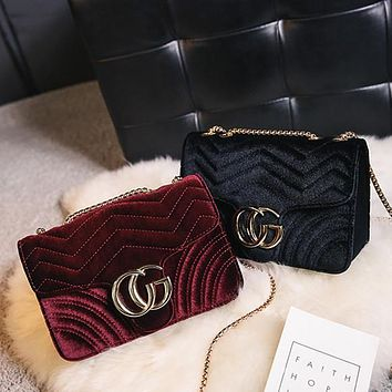All-match Fashion Retro Velvet Metal Chain Shoulder Messenger Bag Heart-shaped Small Square Bag