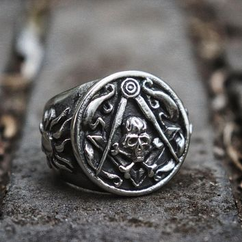 Skull Cross Bones and Compass with Silver Motif Masonic Ring