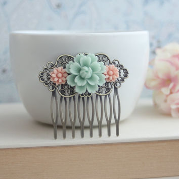 Soft Light Mint Green Rose, Pink Daisy Flower Collage Hair Comb, Bridesmaids Gift. Bridal Wedding Comb. Vintage Style. Country French