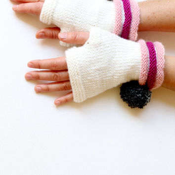 Hand Knit Fingerless Gloves. Fashion 2012. Girls Women. Valentines Day. Love. White , Pink