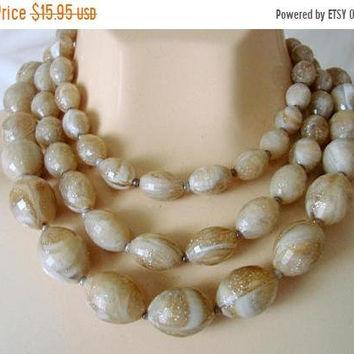 SALE Mid Century Vintage Beige & Brown Variegated Bead Bib Necklace / 1960s / Graduated Beads / Jewelry / Jewellery