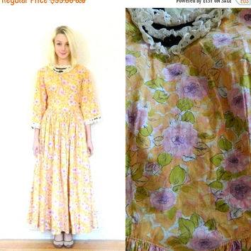 CYBER MONDAY SALE 50s 60s vintage dress /Maxi dress / Long sleeve /Floral print / Ruffle collar / Mod dress Size medium M