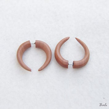 Tribal Fake Gauge Wood Earring, Double Talons Saba Wood Half Spiral Fake Taper Earrings, Handmade Spiral Wooden Earring