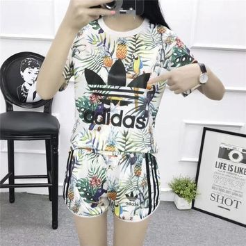 ONETOW Adidas' Women Casual Multicolor Pineapple Toucan Print Short Sleeve Set Two-Piece Sportswear