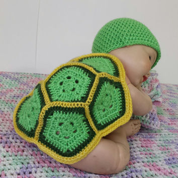 Baby Turtle shell first photo shoot costume, crochet prop photography outfit.