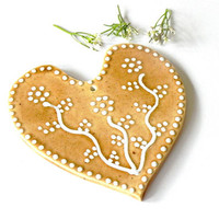Natural Ceramic Wedding Decoration Ornament White Dots Caramel Heart Eco Friendly Material Recycled Carton Box